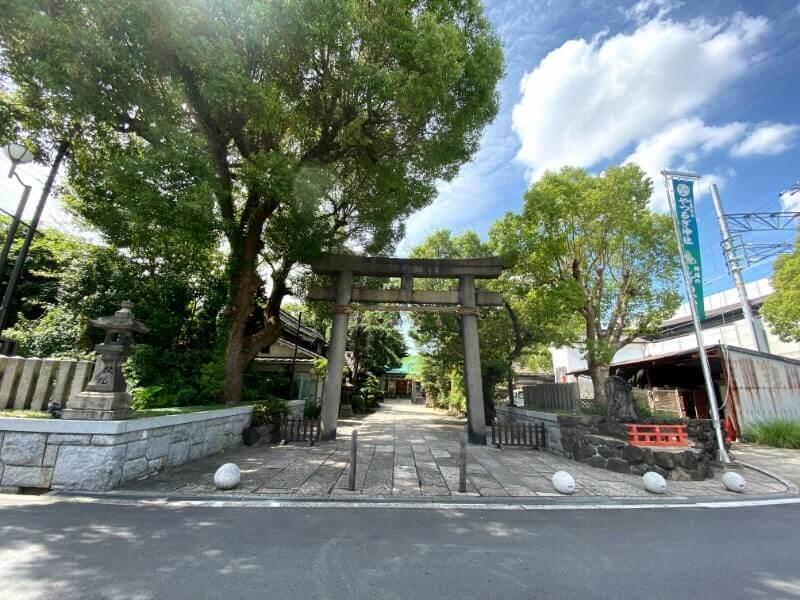 神社の鳥居|iPhone11で撮影(超広角モード)